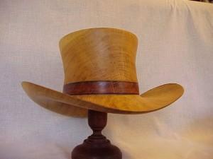 Høj Hat i egetræ